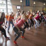 Sofie danst mee voor Going Global op een actiedag van het Corderius College (2015)