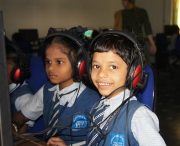 Engelse les in vissersdorpen in India