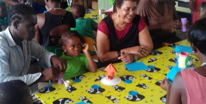 Ouders bij de les in Suriname