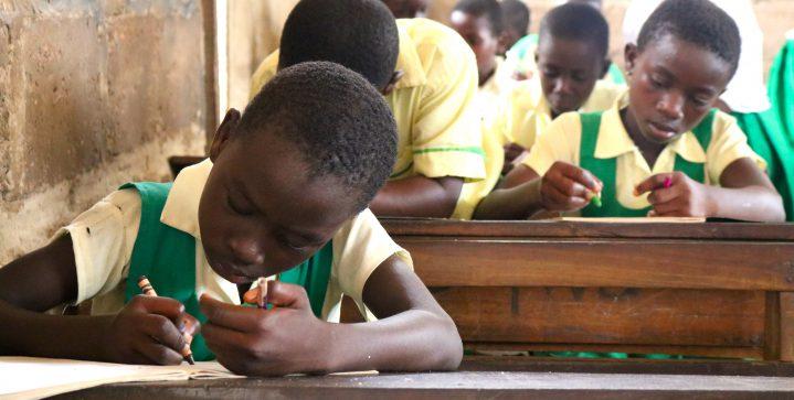 Toekomstige generaties krijgen meer kansen onder minister Kaag: hernieuwde aandacht voor onderwijs in het ontwikkelingsbeleid