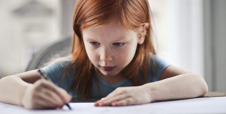 Zo houd je je kind educatief bezig tijdens het thuiswerken